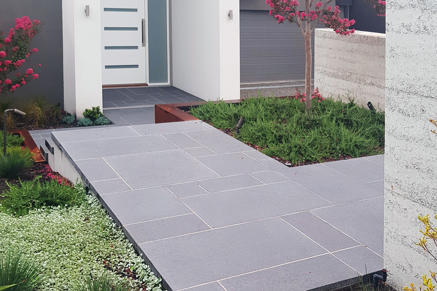 How Concrete Pavers Improve the Look of Your Home